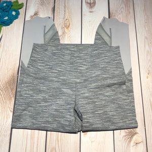 Lululemon women's athletic capri leggings